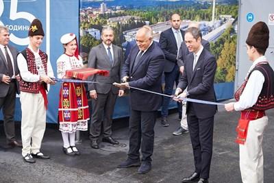 """Премиерът откри модернизирания завод за санитарна арматура по повод 85-годишнината на """"Идеал Стандарт – Видима"""""""