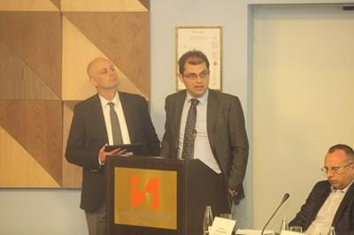 Франк Янсен (вляво) и Кирил Величков представиха възможностите за финансиране през финансови инструменти СНИМКА: Румяна Тонeва
