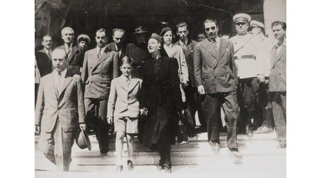 Документи разкриват за първи път: Тайните на българското гражданство на Симеон Сакскобургготски
