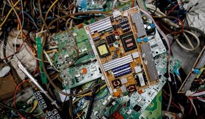 Милиони тонове електронен боклук заливат Европа всяка година.