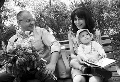 Моника и Сергей Станишеви с дъщеря им Дария