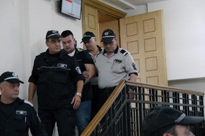Шуменският окръжен съд потвърди искането на прокуратурата Юзджан Лятиф да остане постоянно в ареста. Снимка: Авторката