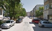 Шофьор помете пенсионерка във Варна и избяга