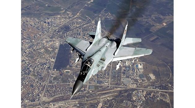 Има ли опасност да приземим бойната си авиация