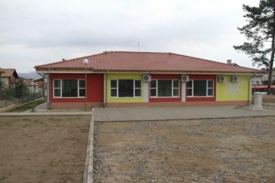 Кметът на Дупница инж. Чимев откри ново социално жилище за деца.