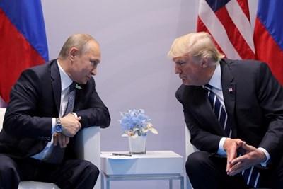 Путин и Тръмп през 2017 г. СНИМКА: Ройтерс
