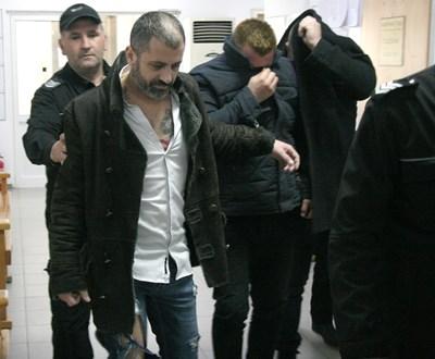 Собственикът на скандалния еротичен клуб Димитър Донов и още двама се изправиха пред съда. Снимки: Евгени Цветков