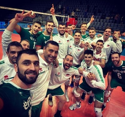 Волейболистите към феновете за подкрепата: Играем за вас и България!