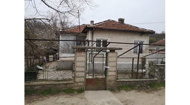 Съдят 36-годишния Стоян, удушил и заровил половинката си в двор във Варненско