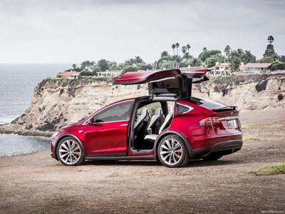 Едва 62 автомобила от американската марка на Илън Мъск - Tesla, са регистрани в България, като за последните 9 месеца са внесени едва пет коли.