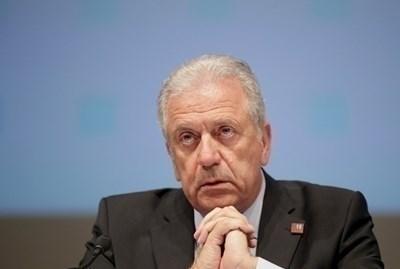 Откриването е днес в Тирана в присъствието на Димитрис Аврамопулос, комисар по въпросите на миграцията, вътрешните работи и гражданството. Снимка РОЙТЕРС
