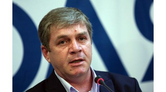От Българската митрополия няма ли кандидати за депутати?!