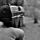 Мъж с пистолет поиска 4 бона от касиерка в столичен офис