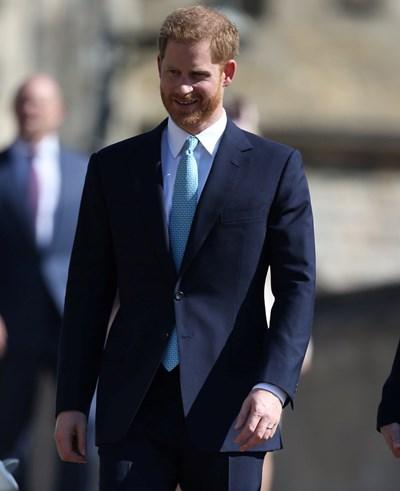 Принц Хари пристигна сам в катедралата Снимки: Ройтерс