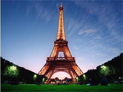 Айфеловата кула, един от най-популярните обекти в света, предвижда антигенни тестове за всички посетители без санитарен пропуск.