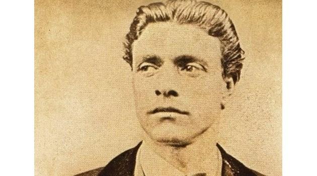Имането на Левски открито край Ловеч. Беден кожар го изравя и предава, без да открадне и една монета
