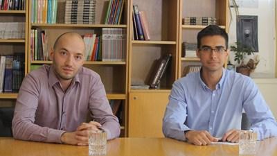 Политологът Димитър Ганев (в ляво) и водещият на рубриката Митьо Маринов  СНИМКА: Румяна Тонeва