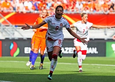 Надя е първият футболист, който е роден в друга държава, но играе за националния отбор на Дания.
