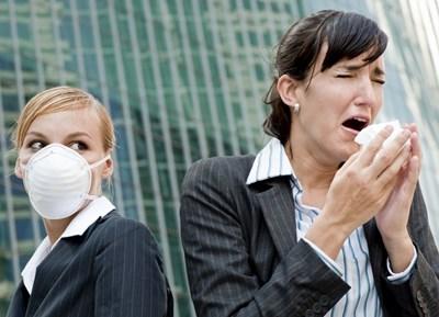 СЗО: Коронавирусът оцелява на повърхности от няколко часа до няколко дни