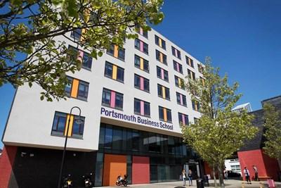Университетът в Портсмут е един от най-предпочитаните за българи. СНИМКА: Фейсбук