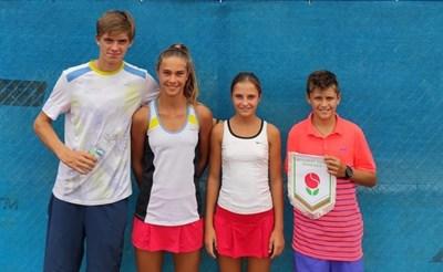 Български тенисисти в академията на треньора на Рафа Надал