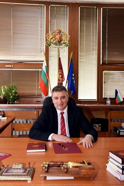 Проф. Димитър Димитров, ректор на УНСС