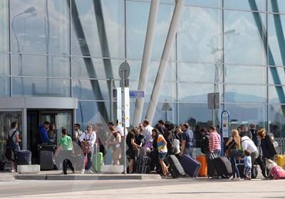 29 559 души са се завърнали в България, а напусналите са 31 хил. СНИМКА: 24 часа