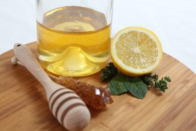 Препаратите от лимонови плодове и мед са полезни за лечение и профилактика при грип, придружен с висока температура