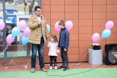 Георги Стаменов доведе семейството си и поздрави участниците.
