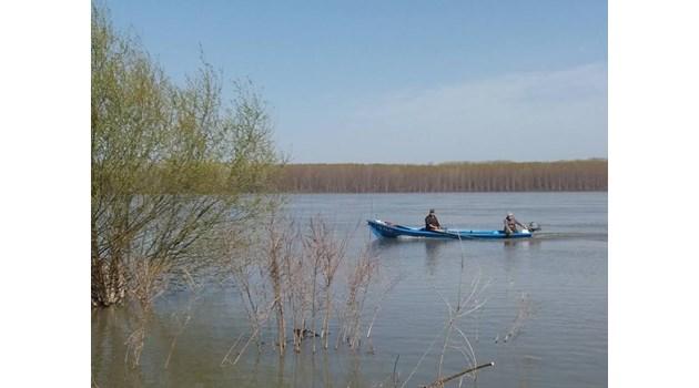 Рибари от Силистренско спорят с румънски граничари за остров в Дунав