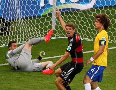 Мачът Бразилия - Германия от световното по футбол през 2014 г. води до създаването на нова статистика.  СНИМКИ: РОЙТЕРС