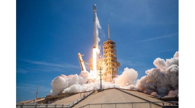 На добър час! Нека докажем пред света с BulgariaSat-1, че можем да се развиваме в космическата индустрия