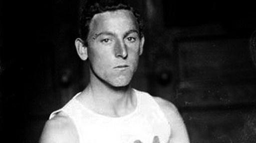 Измамата на 4 колела, която закара зидаря Фред на олимпийския връх и го вкара в историята