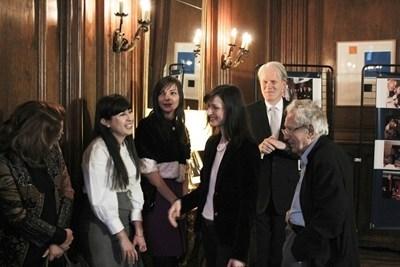 Посланик Льо Бедел заедно с част гостите на закуската, сред които Анжел Вагенщайн и еврокомисарката Мария Габриел.