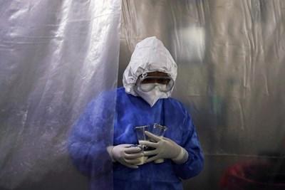Защо парите срещу COVID-19 са само за ваксини?