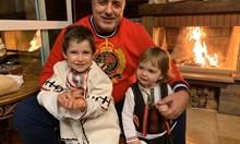 Виж Бойко Борисов на Бъдни вечер с внуците в Банкя