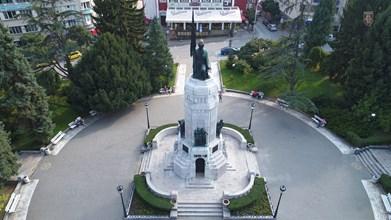 """На паметника """"Майка България"""" ще бъдат поднесени венци и цветя"""