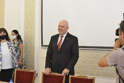 Гешев се появи изненадващо за изслушване в Народното събрание. Снимки ЙОРДАН СИМЕОНОВ