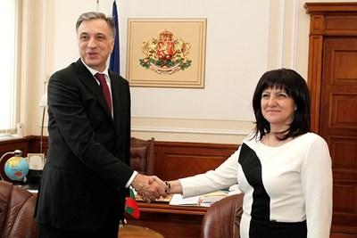 Филип Вуянович и Цвета Караянчева Снимки: Пресцентър на Народното събрание
