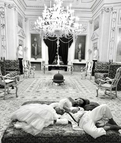 Една от сватбените снимки на Том Йорки  Даяна Рончионе Снимка: Туитър/ Lady Newell