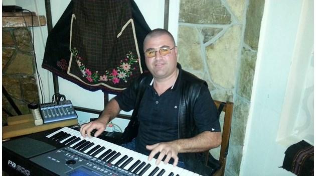 Вижте учителя Стоян от Казанлък, обвинен, че насилвал дъщеря си 3 години