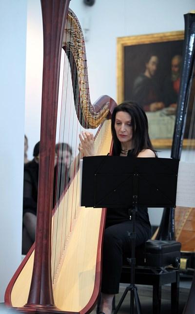 Българска арфистка с концерт в залата на ЮНЕСКО в Париж