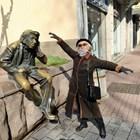 Русалия си прави екзерсиса пред паметника на Мильо. Снимки: Авторът