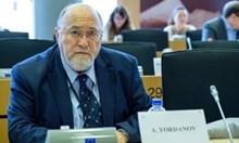 Хора, българи, вземете се в ръце и на изборите разкарайте Радев