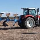Производството на агротехника се реорганизира според ситуацията