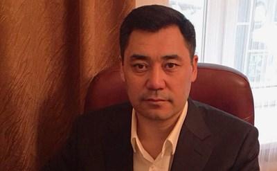 Президентът Садир Жапаров вече бил използвал корена за лечение на хиляди болни задържани, докато е бил в затвора за взимане на заложници миналата година. Снимка: Инстаграм/sadyr_japarov