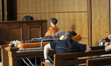 Прокурор иска Костин да лежи до живот за убийството на 5-годишния Никита в куфара. Руснакът бе доведен на носилка в залата