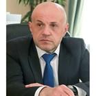Томислав Дончев с напрегнат рожден ден