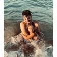 Сашо Кадиев заведедъщеря си на море