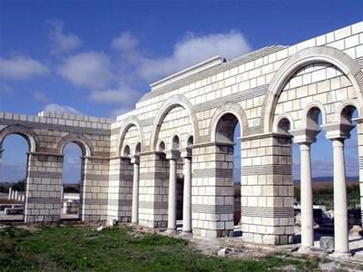 """Част от държавната субсидия за вероизповеданията тази година ще отиде за голямата базилика в Плиска.  СНИМКИ: """"24 ЧАСА"""""""